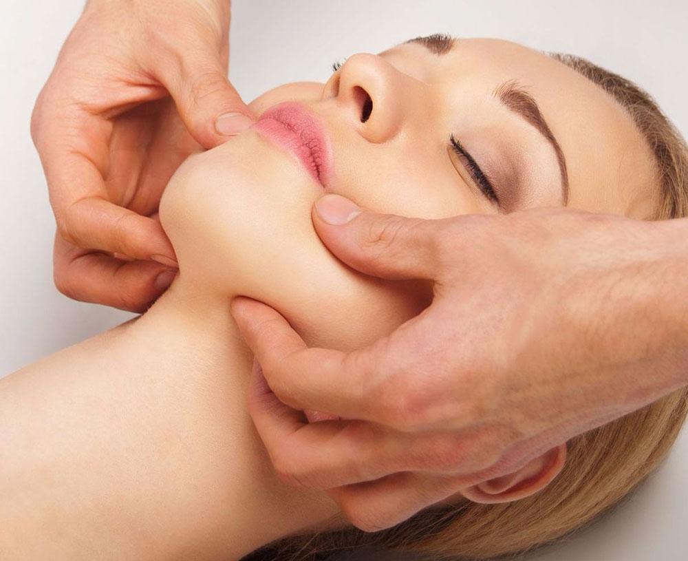Курсы коррекции скуловой зоны в школе мастеров массажа